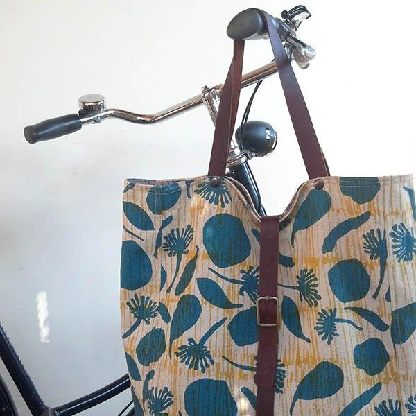 Hemp and organic cotton canvas bike bag as shoulder bag.