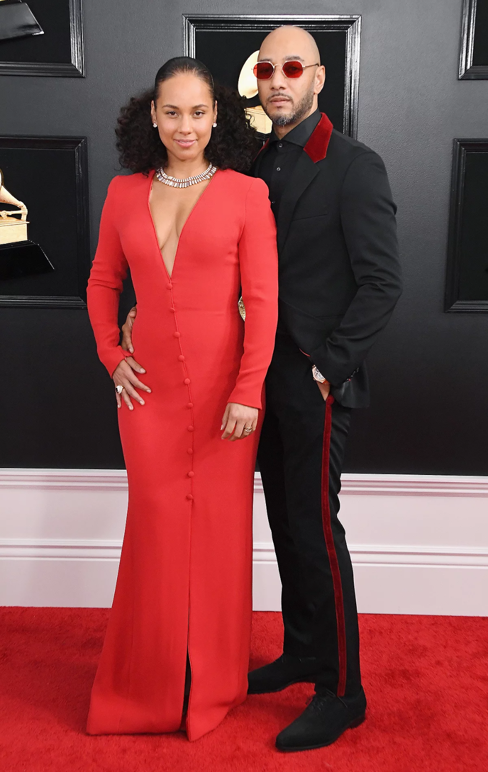 All About The Custom 5 Foot Long Crystal Hair Piece Alicia Keys Wore At The 2020 Grammy Awards In 2020 Grammy Awards Red Carpet Fashion Red Carpet Looks