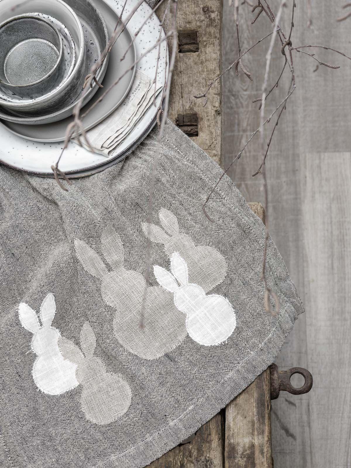 diy ostern easter pinterest tischl ufer ostern ostern n hen und hase n hen. Black Bedroom Furniture Sets. Home Design Ideas