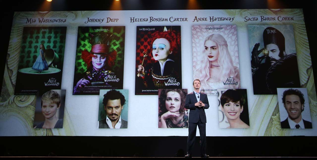 Disney S Alice Through The Looking Glass New Details From D23 Expo The Disney Blog Disney Blog Disney Alice Through The Looking Glass