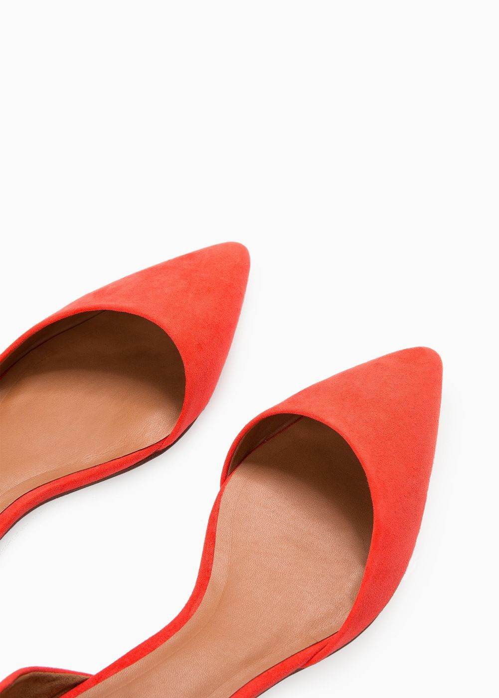 Zapato plano punta