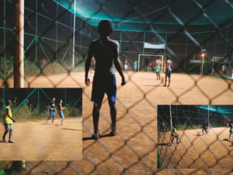Os artistas distanciam-se ao máximo do espetáculo televisionado e buscam outros lados do esporte e aquilo que acontece longe dos grandes estádios.