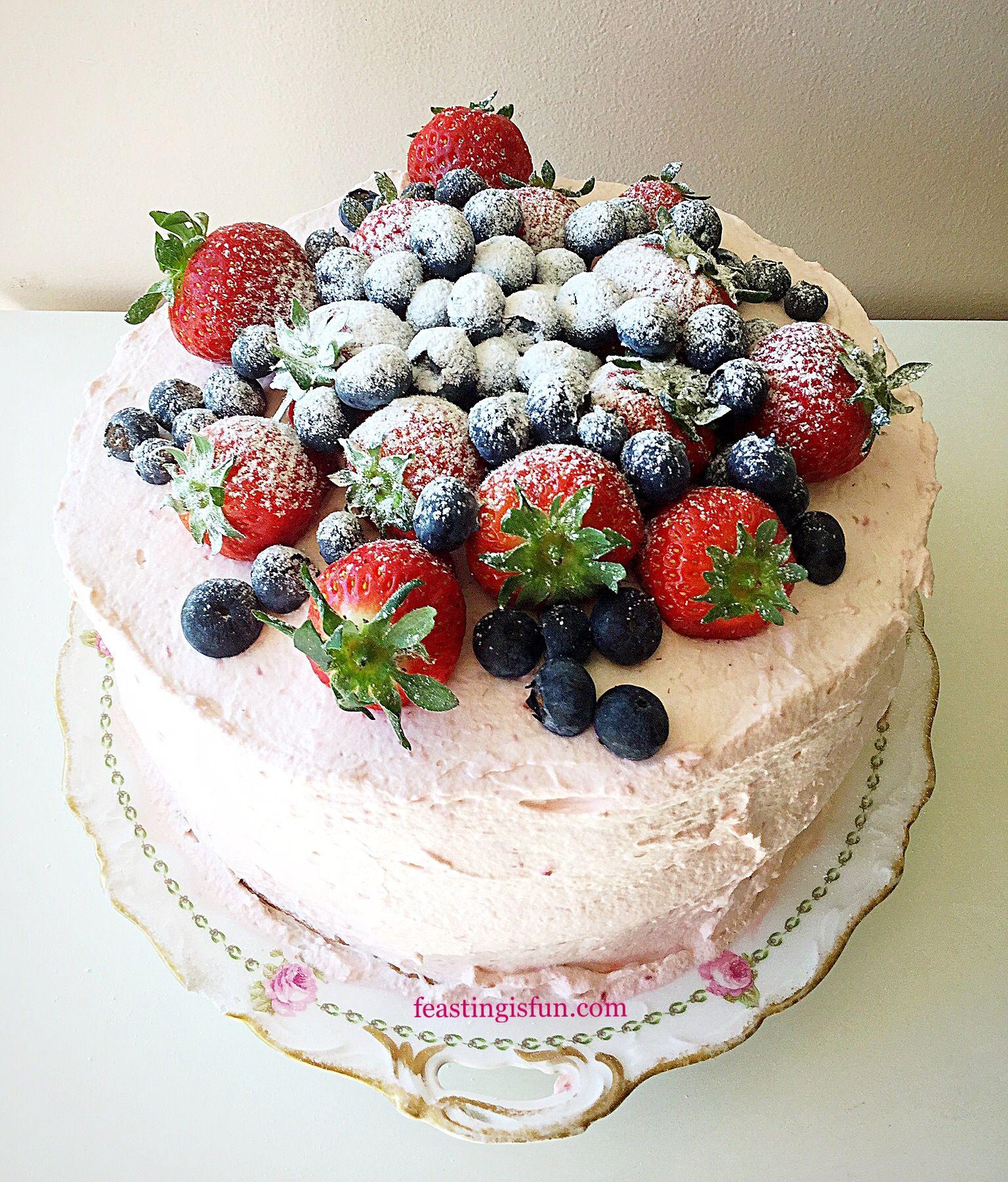 Summer Mixed Berry Sponge Cake   Cake, Cake decorating ...