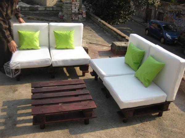 Sala ecologica palet exterior interior proyectos que - Cuanto cuesta un palet de madera ...