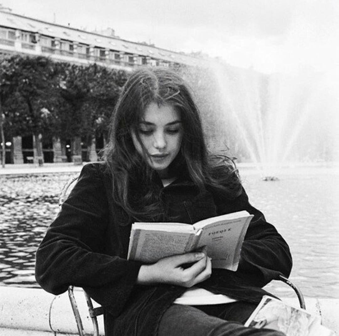 """Αποτέλεσμα εικόνας για reading a book in pinterest"""""""