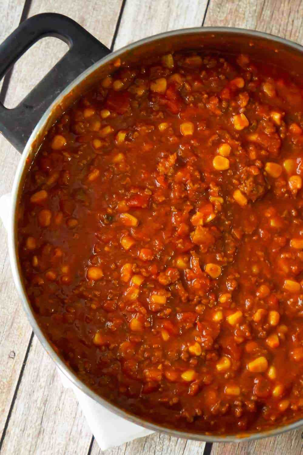 Easy No Bean Chili Is A Hearty Comfort Food Dish Loaded With Ground Beef And Hot Italian Sausage Me Chili Recipe Easy No Bean Chili Ground Chicken Chili Recipe
