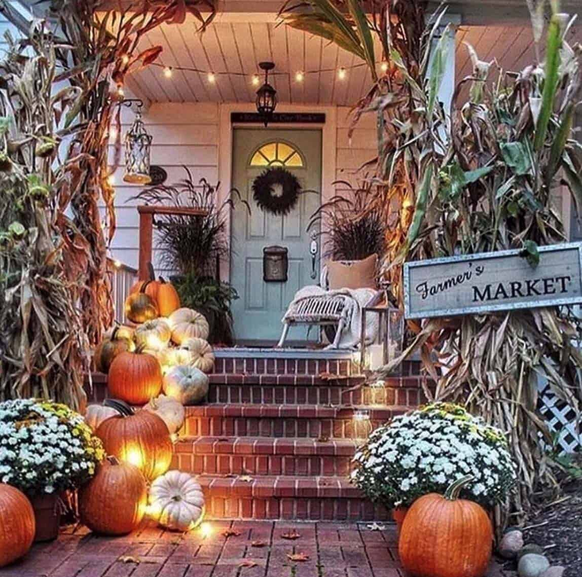 20+ Dreamy Ideas For Decorating Your Front Porch For Fall #fallfrontporchdecor