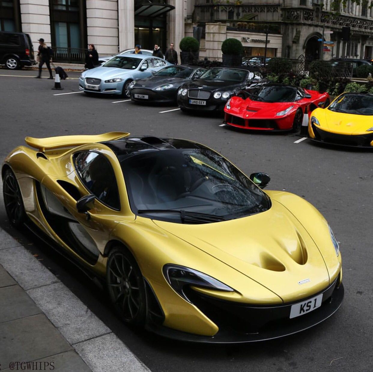 Incroyable McLaren P1 Painted In Austin Yellow W/ Exposed Carbon Fiber, A Ferrari  LaFerrari Painted In Rosso Corsa, And Another McLaren P1 Painted In Volcano  Yellow W/ ...