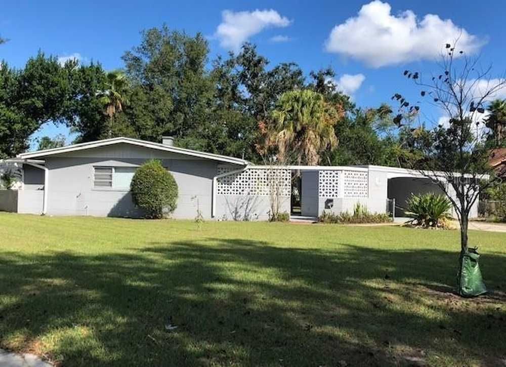 Charming 3 bed/2 bath midcentury home for rent in Winter