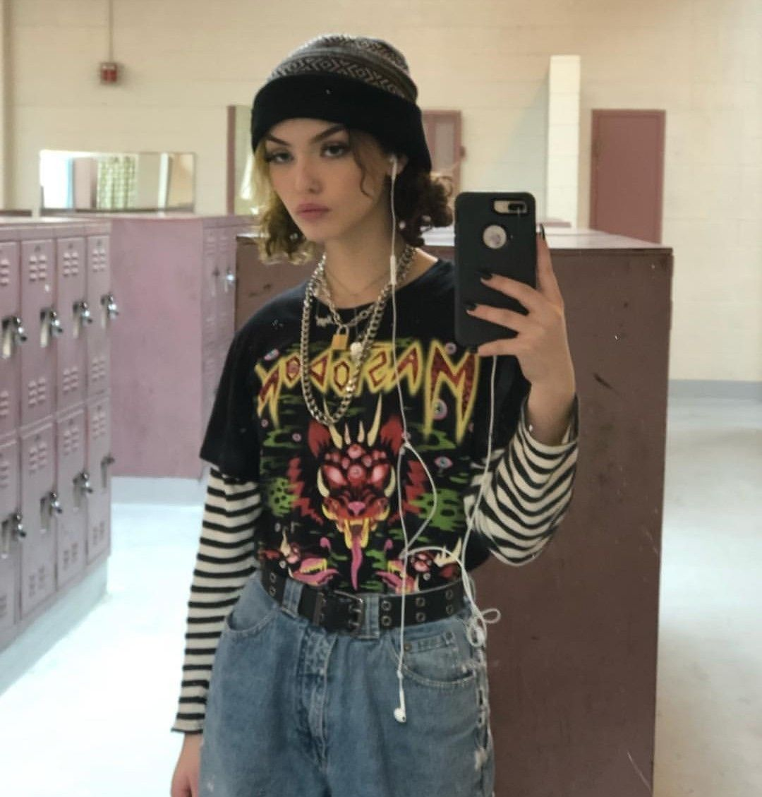 Pin By Camila Pizziolo On Egirl Aesthetic Clothes Fashion Inspo Outfits Retro Outfits