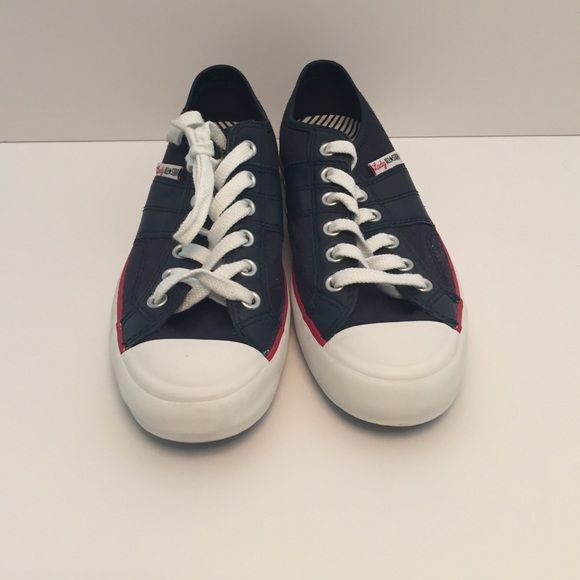 28b9d7f00e3d01 FINAL PRICE Converse low top sneaker in navy blue