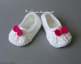 Preciosas sandalias para bebé. Ideal para verano  **Hecho a mano - de ganchillo.** Todos nuestros productos están hechos con pasión, el amor y la                                                                                                                                                      Más