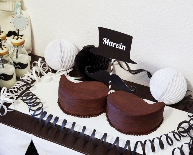 Mustache - Baby Shower Party: Sweet Table und Deko