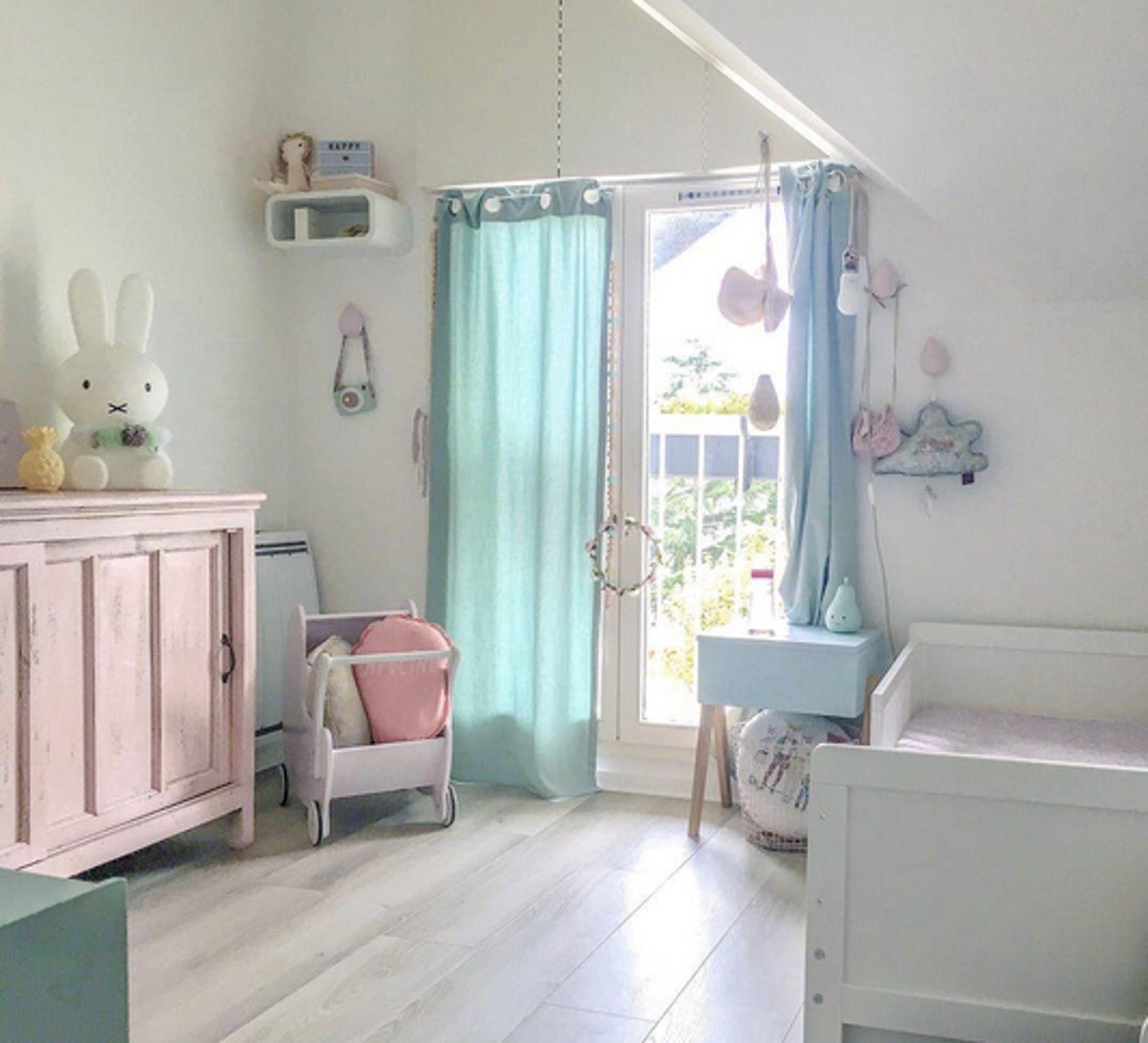 Jolie Chambre D Enfant Lit Blanc Voilages Rideaux Bleu Pastel