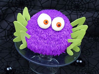 Harry The Spider ~ He is a giant chocolate Rice Krispie treat cake... so cute!
