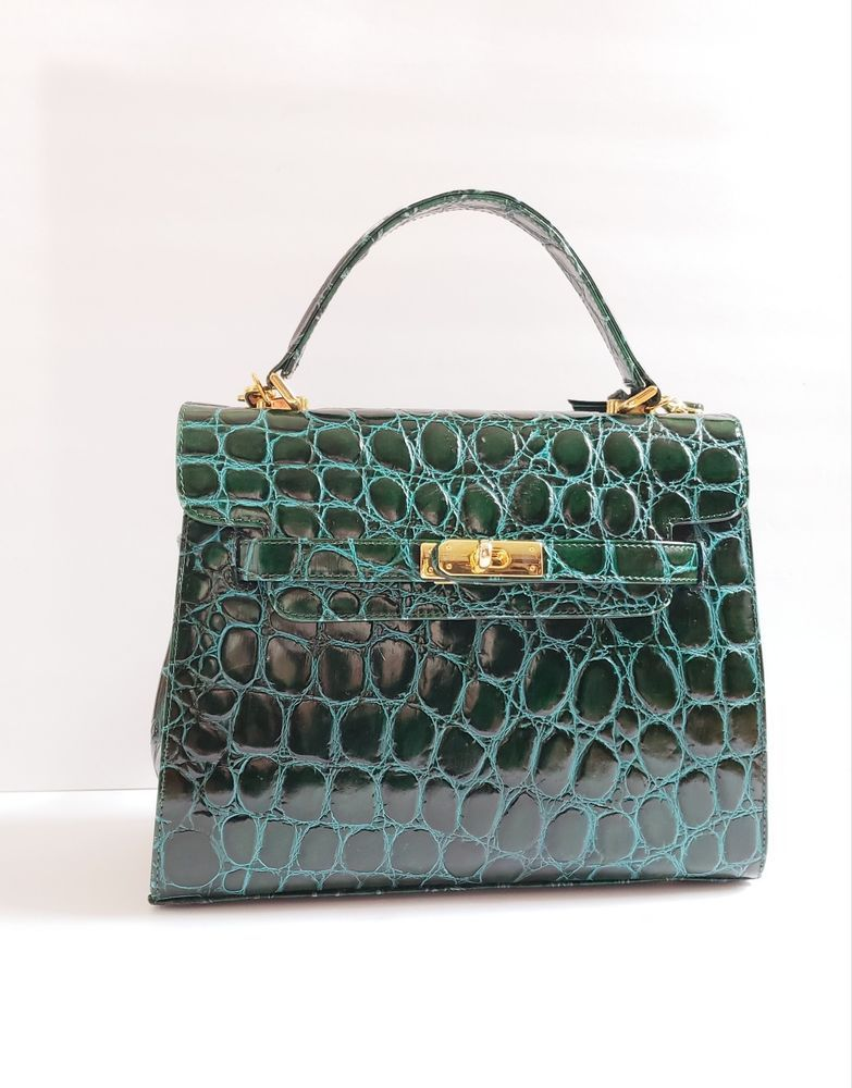 e5ff707d954256 Vintage Bally Authentic Handbag Shoulder Bag Green Alligator Stamped Leather  #Bally #Satchel