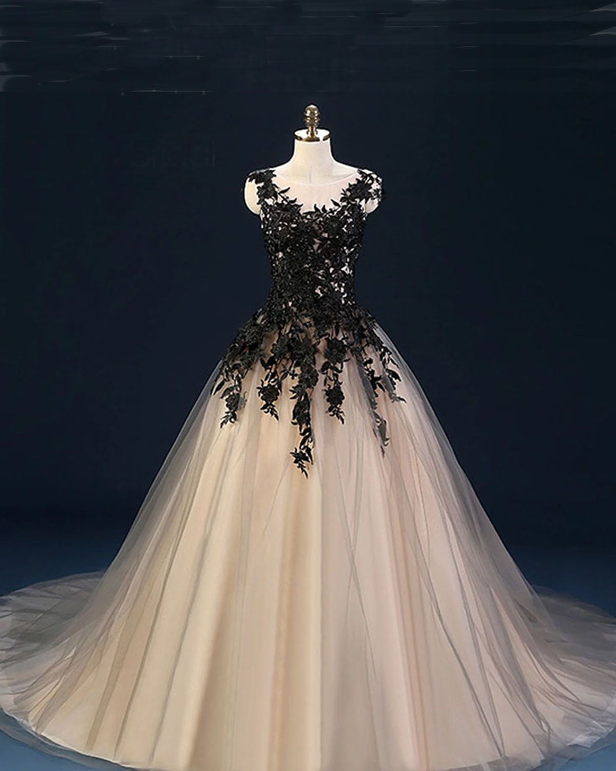 Champagne tulle prom dress with black appliques prom gown wedding