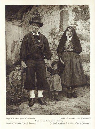 Traje de la alberca fotograf as antiguas de galicia for Imagenes de la alberca salamanca
