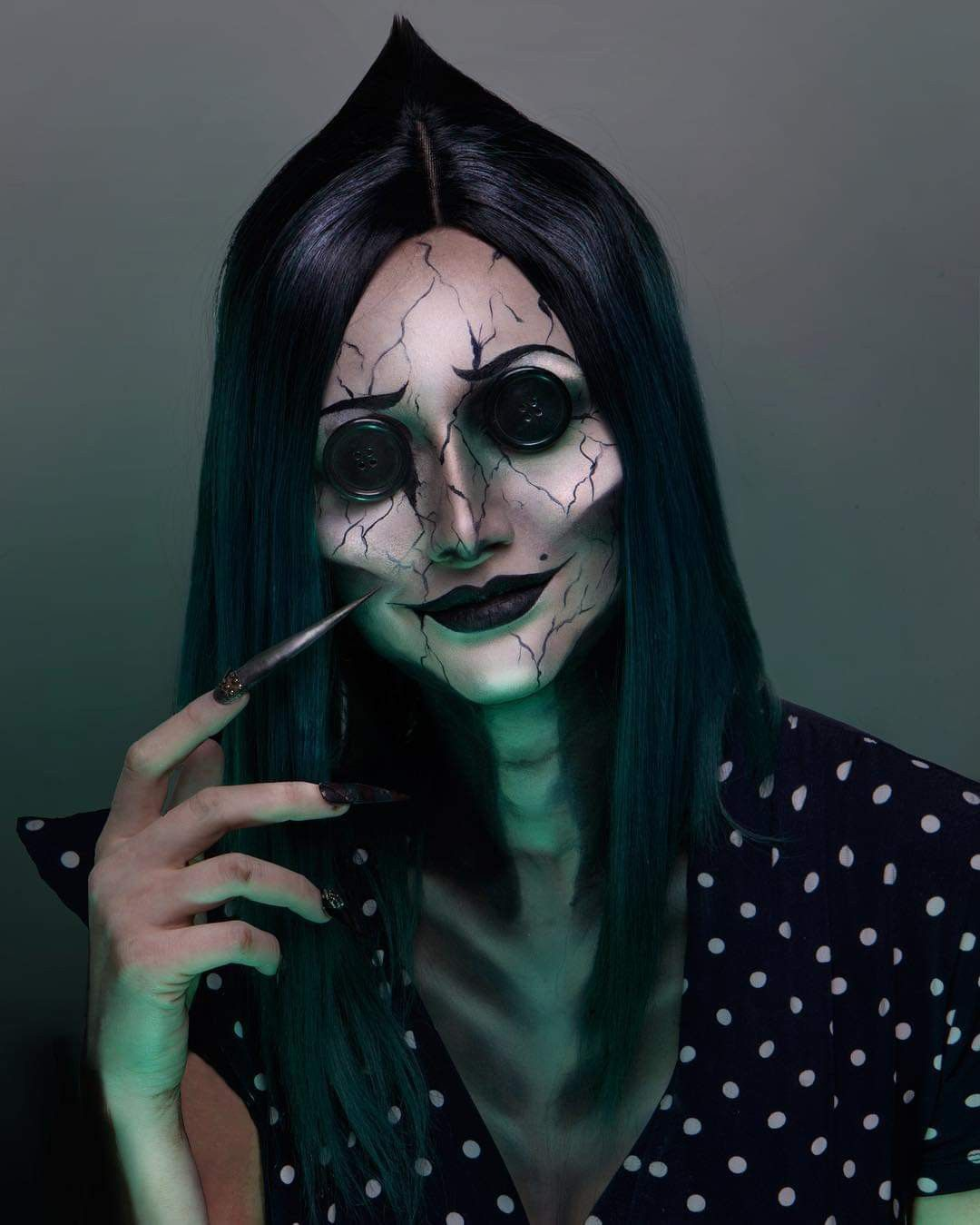 Pin By Jeannie Almonte On Beauty Cool Halloween Makeup Creepy Halloween Makeup Cute Halloween Makeup