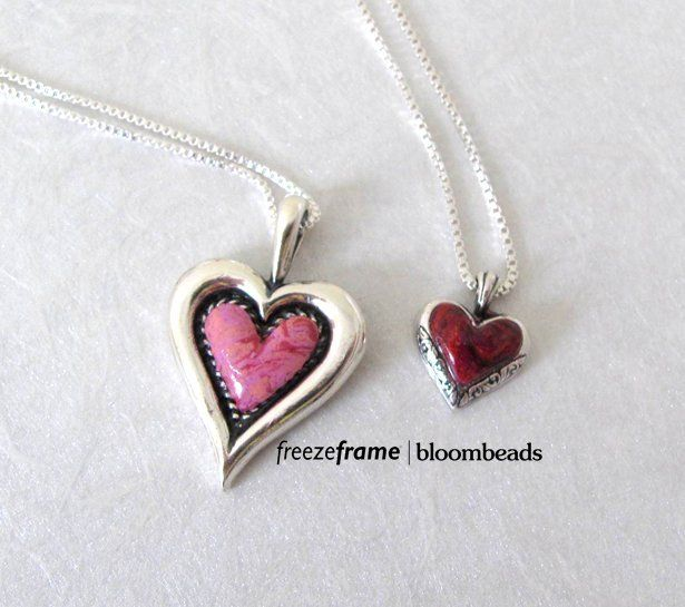 Turn Your Memorial Flowers In To Jewelry Flower Petal Jewelry Flower Jewellery Jewelry