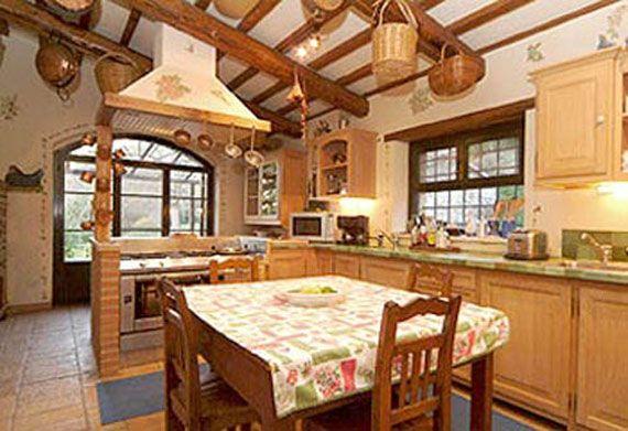 Cozy Rustic Italian Kitchen From Cimots Interior Decorating
