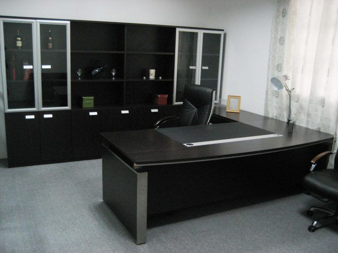 Office Table Durable And Stylish Office Chair And Table Set Black Office Furniture Design With L Home Office Design Office Furniture Design Office Desk Designs