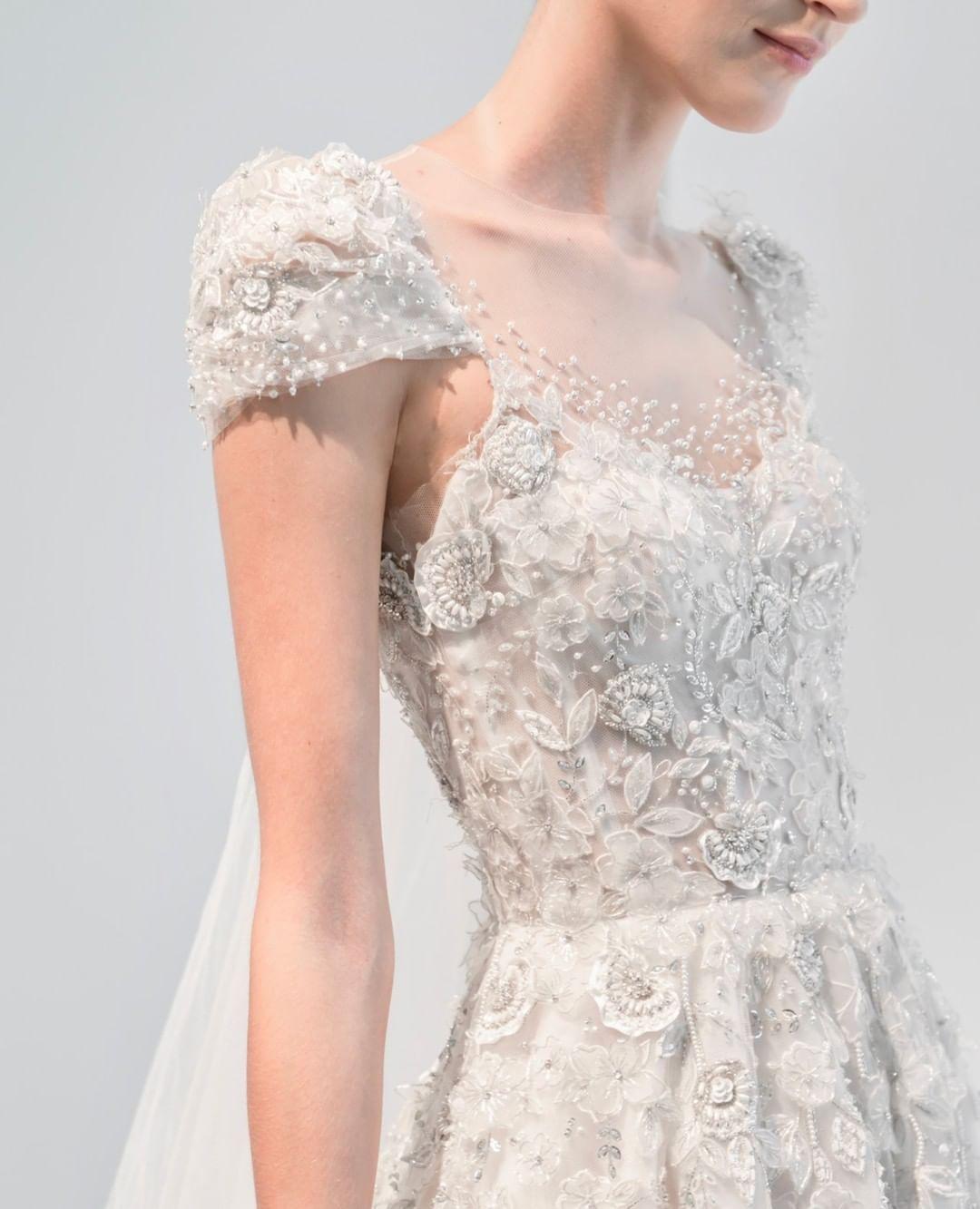 Reem Acra Wedding On Instagram Divine Details Ralovefromny Dress Gramercy Schedul Wedding Dresses Unique Gorgeous Wedding Dress Wedding Gowns Lace