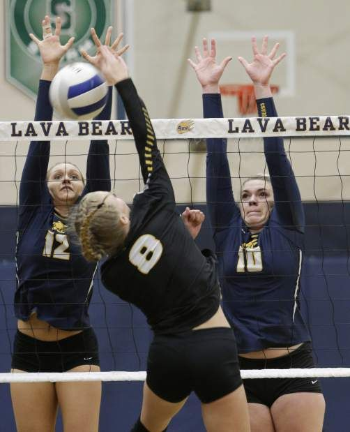 Bend Rolls Into Playoffs With 3 Set Win Over St Helens High School Sports Sports Pictures High School