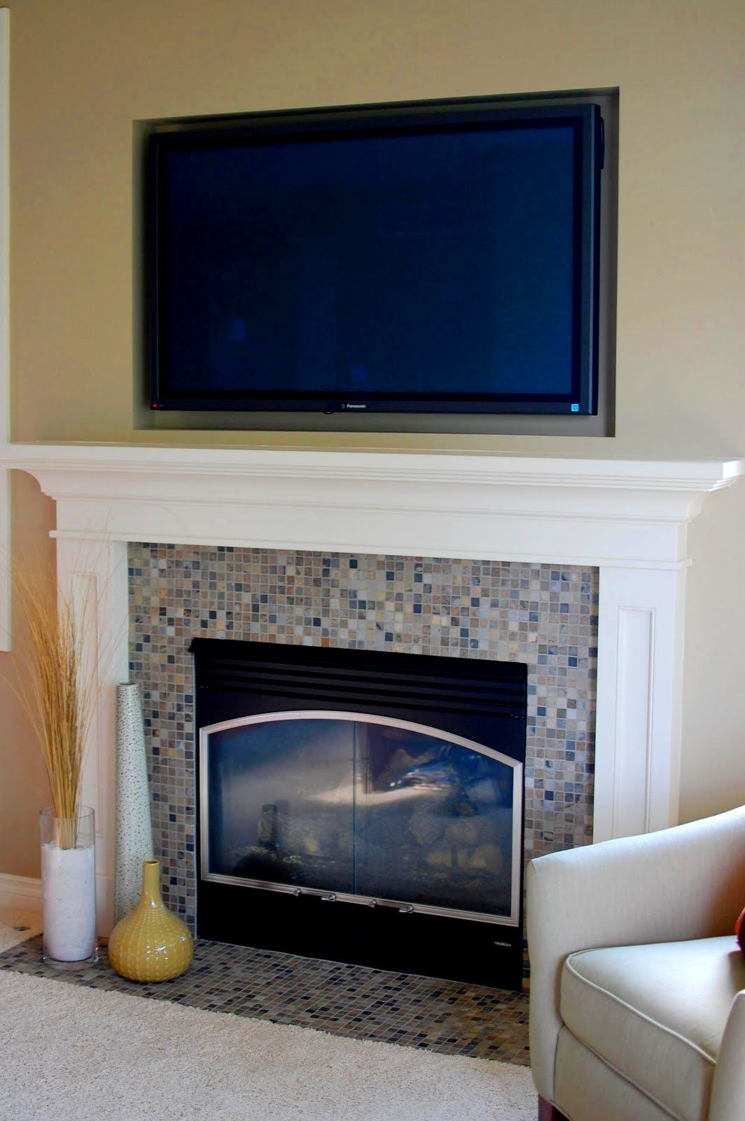 A Day At The Beach Mantel Makeover 33 Shades Of Green Fireplace Mantel Mantels And Tvs