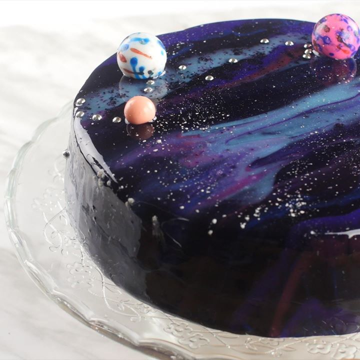 Delicious By Diply Galaxy Cake