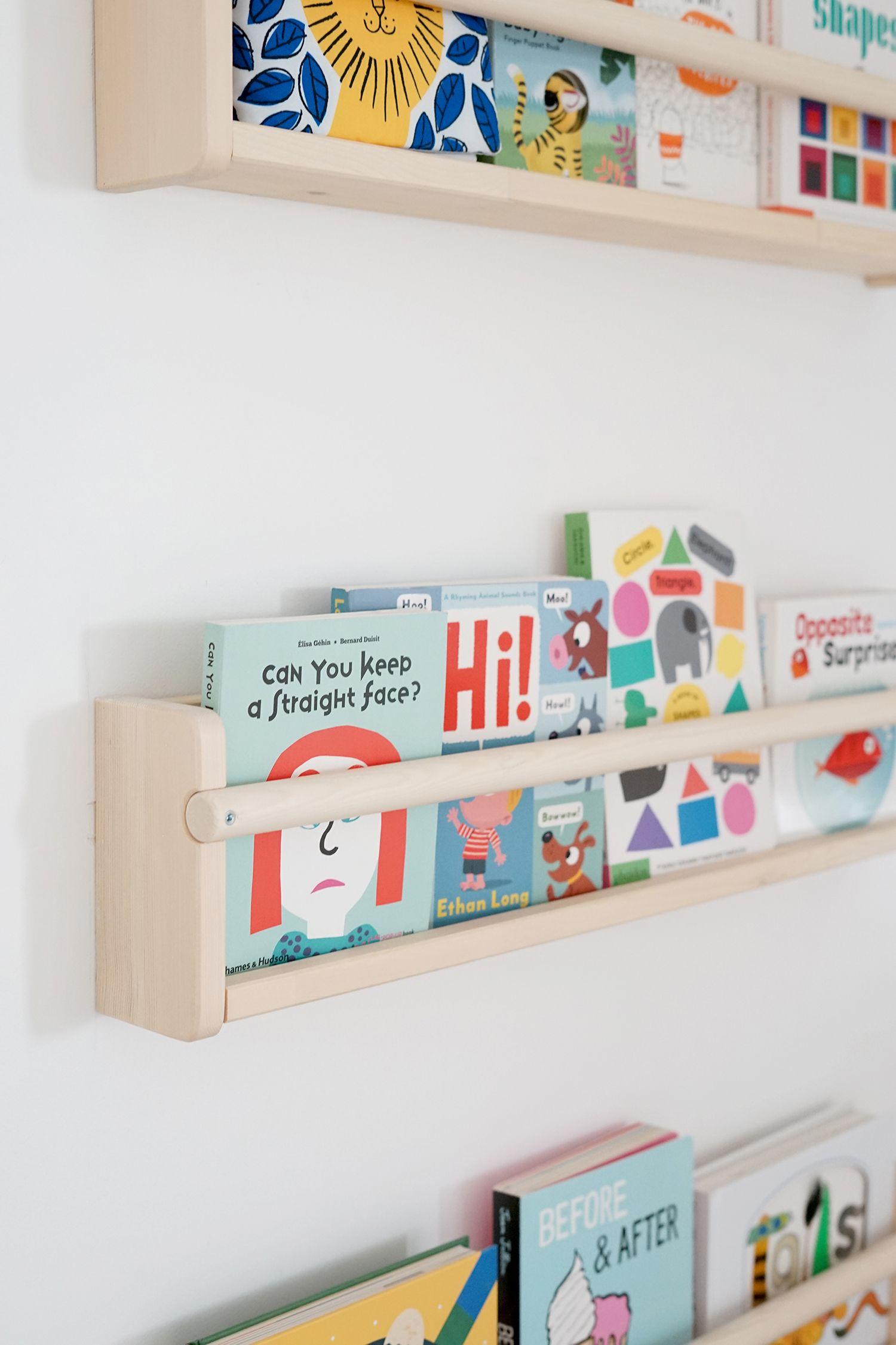 our favorite baby books | Dormitorio, Piezas de juego y Repisas