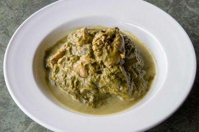 la cuisine tahitienne la recette du poulet fafa(feuille de taro