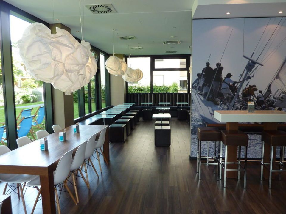Frühstücksraum Motel One Hamburg-Alster | Hotel Kitchen - modern ...