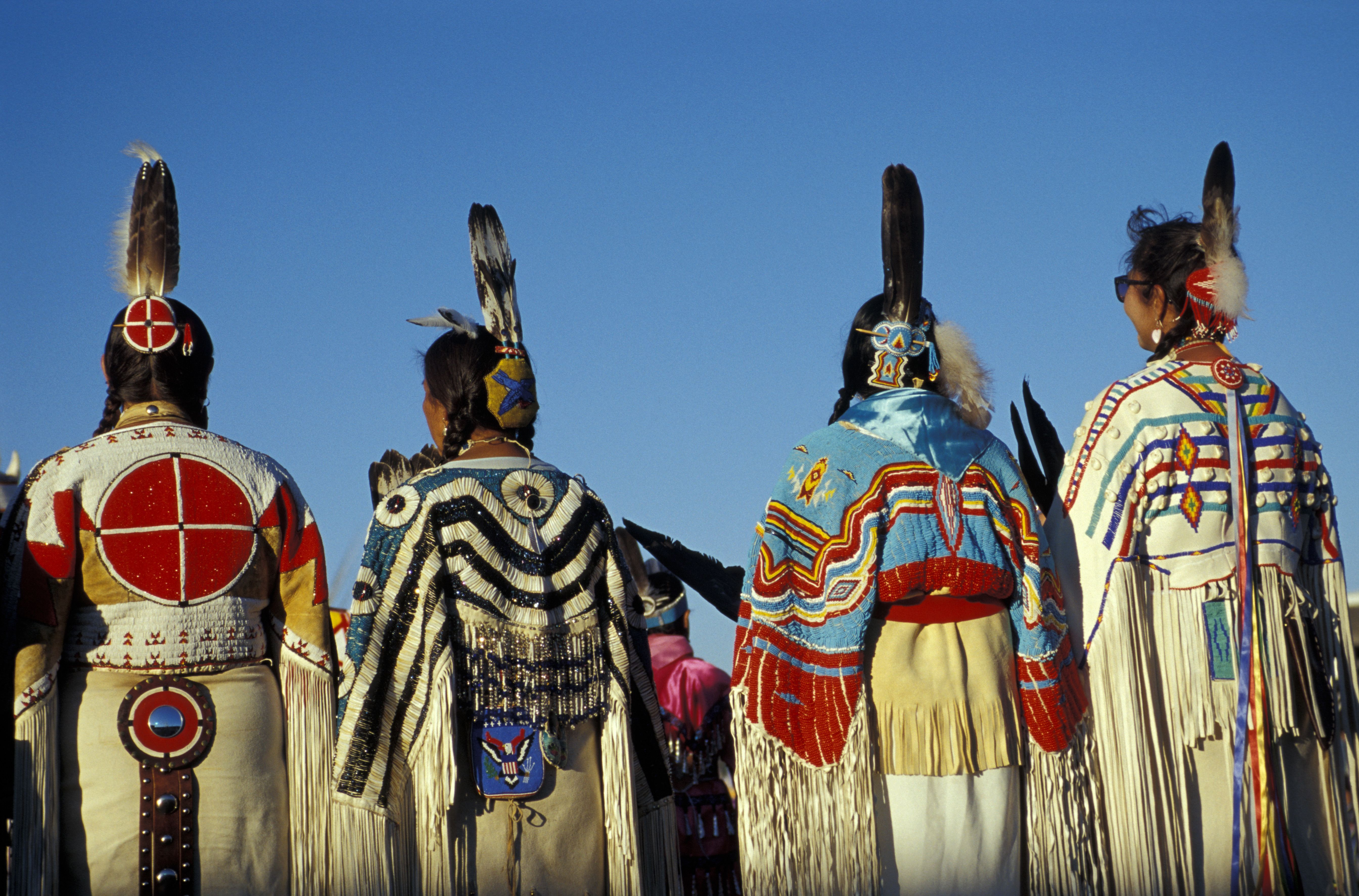 Lakota People | Country of the Lakota and Crow Indians - Cascade ...