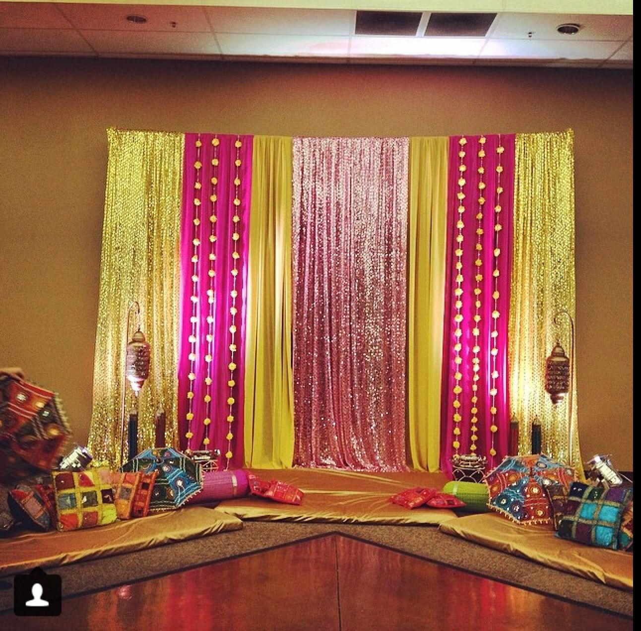 Wedding decoration ideas stage  Pin by Neena Shinde Sawant on decorating ideas  Pinterest