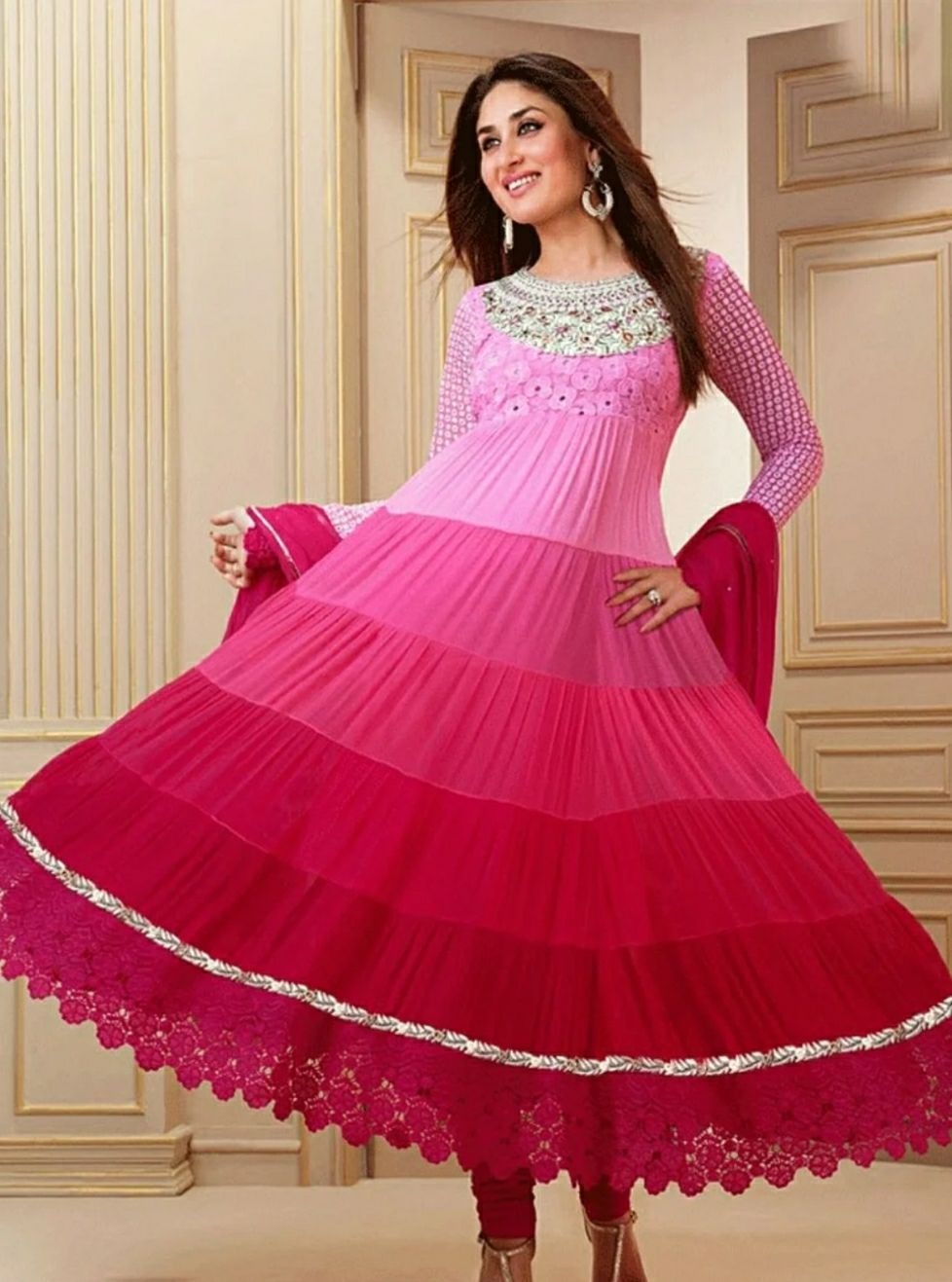 So beautifil kareena kapoor anarkali bust is 16 to 17 u ...