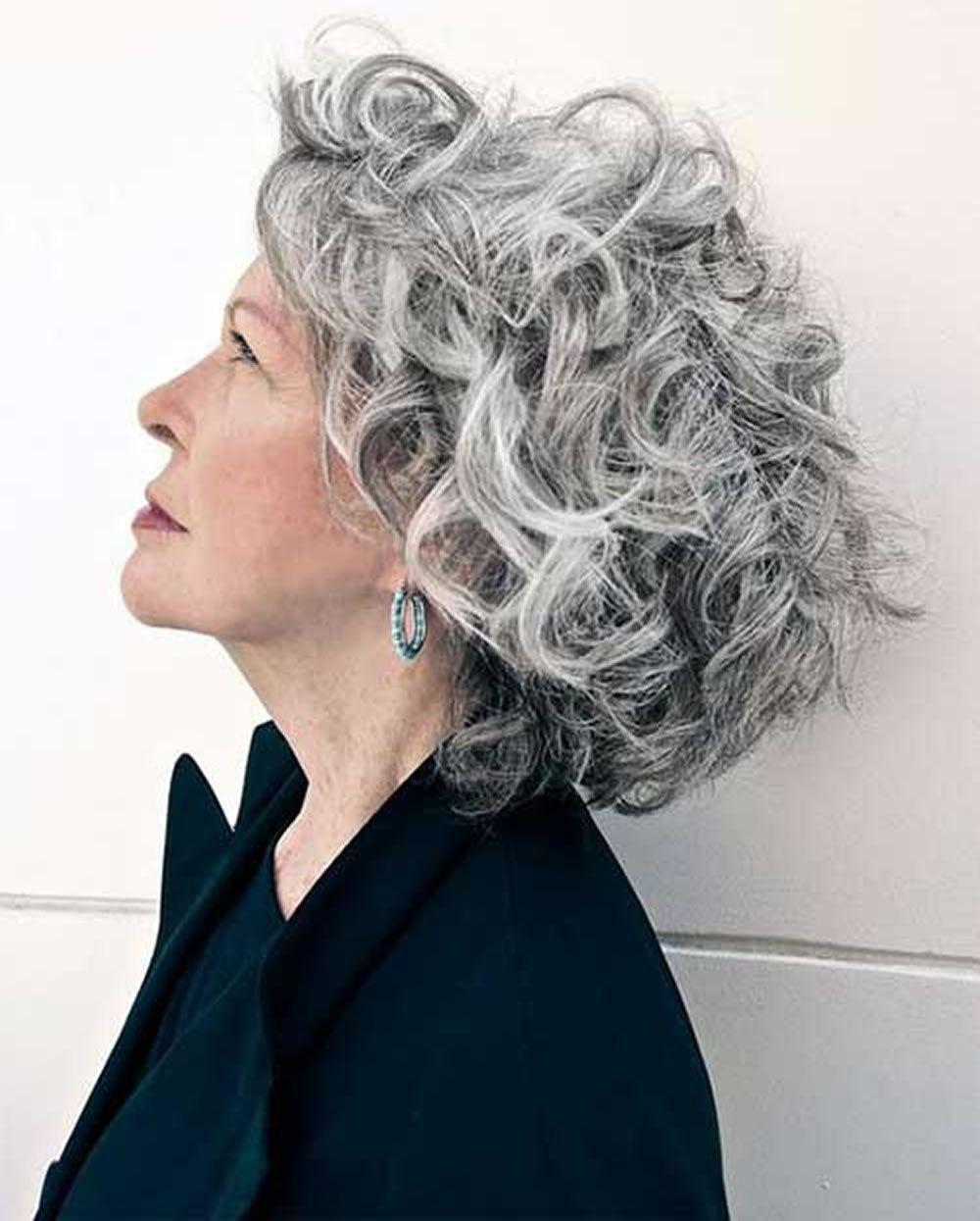 Kurze graue Frisuren für ältereFrauen über 5  Short curly