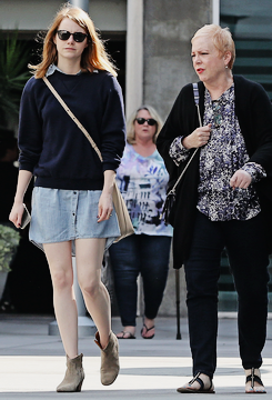 Out & About with her mother | Los Angeles | October 18 2015