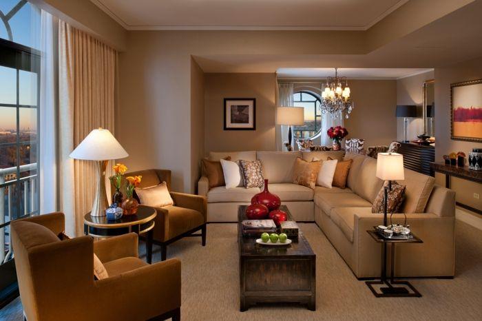 Landhausstil Wohnzimmer Elegantes Ecksofa Tischleuchten Teppichboden