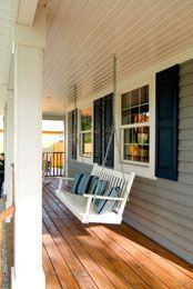 Veranda Amerikanisch schaukel auf der einer veranda eines bostonshaus gebäude