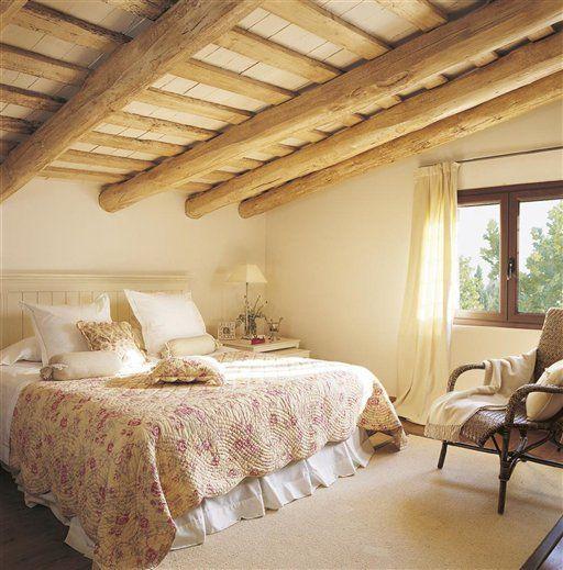 Los dormitorios sacan su vena rom ntica decor dormitorios - Cambiar vigas de madera ...