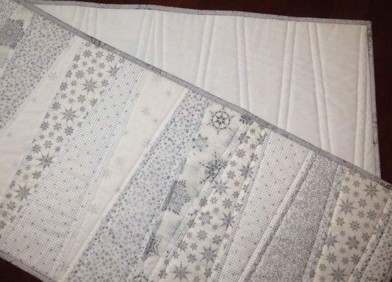 Gesteppter Tischläufer, 5-Fuß-langen, genäht Keile, weiß und Silber ...