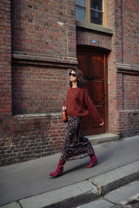Les bottes en 2020 (avec images)   Gros pull, Robe hiver, Jupe mi longue