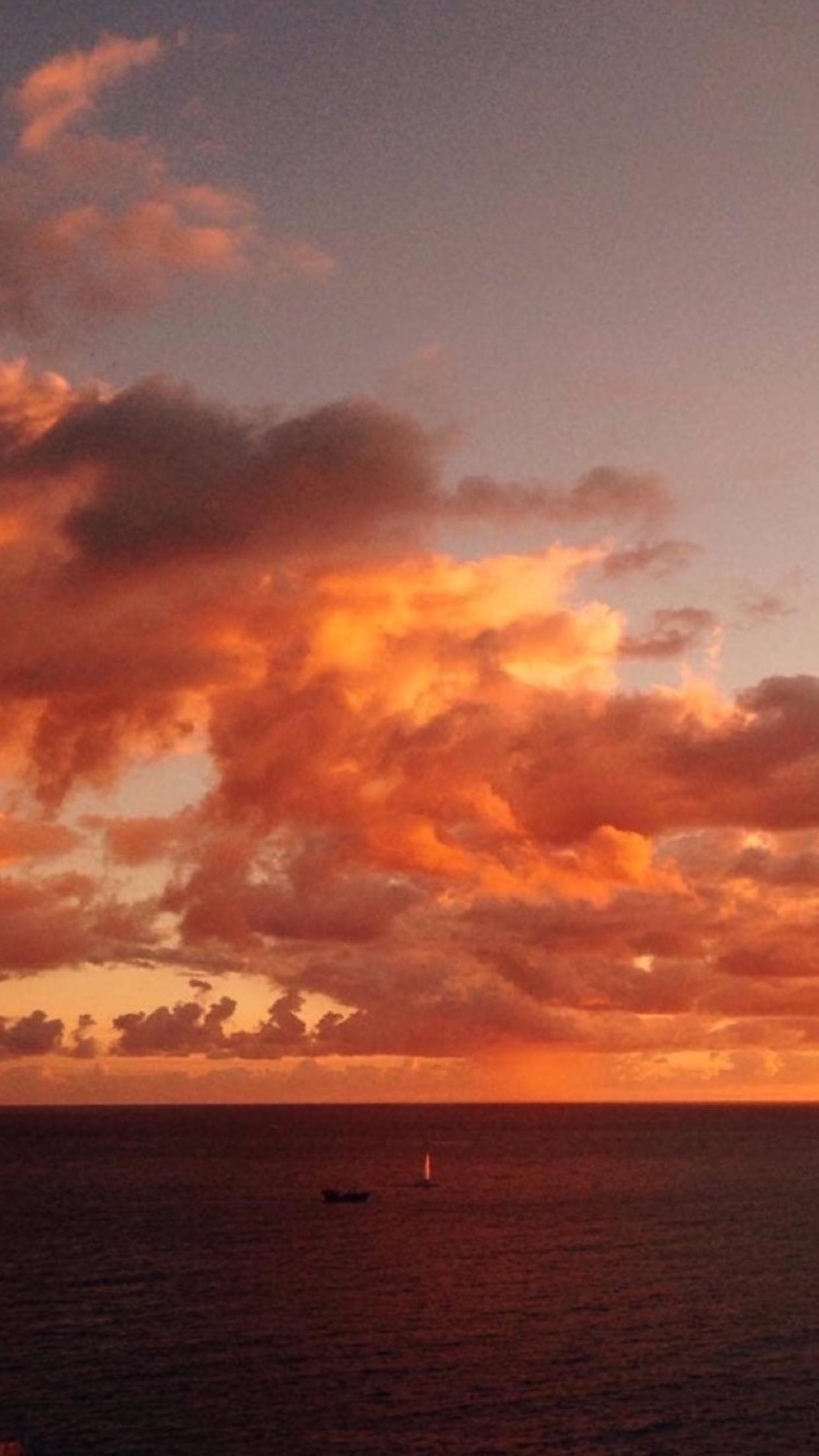 Pin by Kayrie Gonzalez on Backgrounds Sky aesthetic