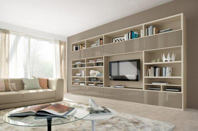 Schrankwand im Wohnzimmer creme-regale-taupe-lack-fronten - schrankwand wohnzimmer modern