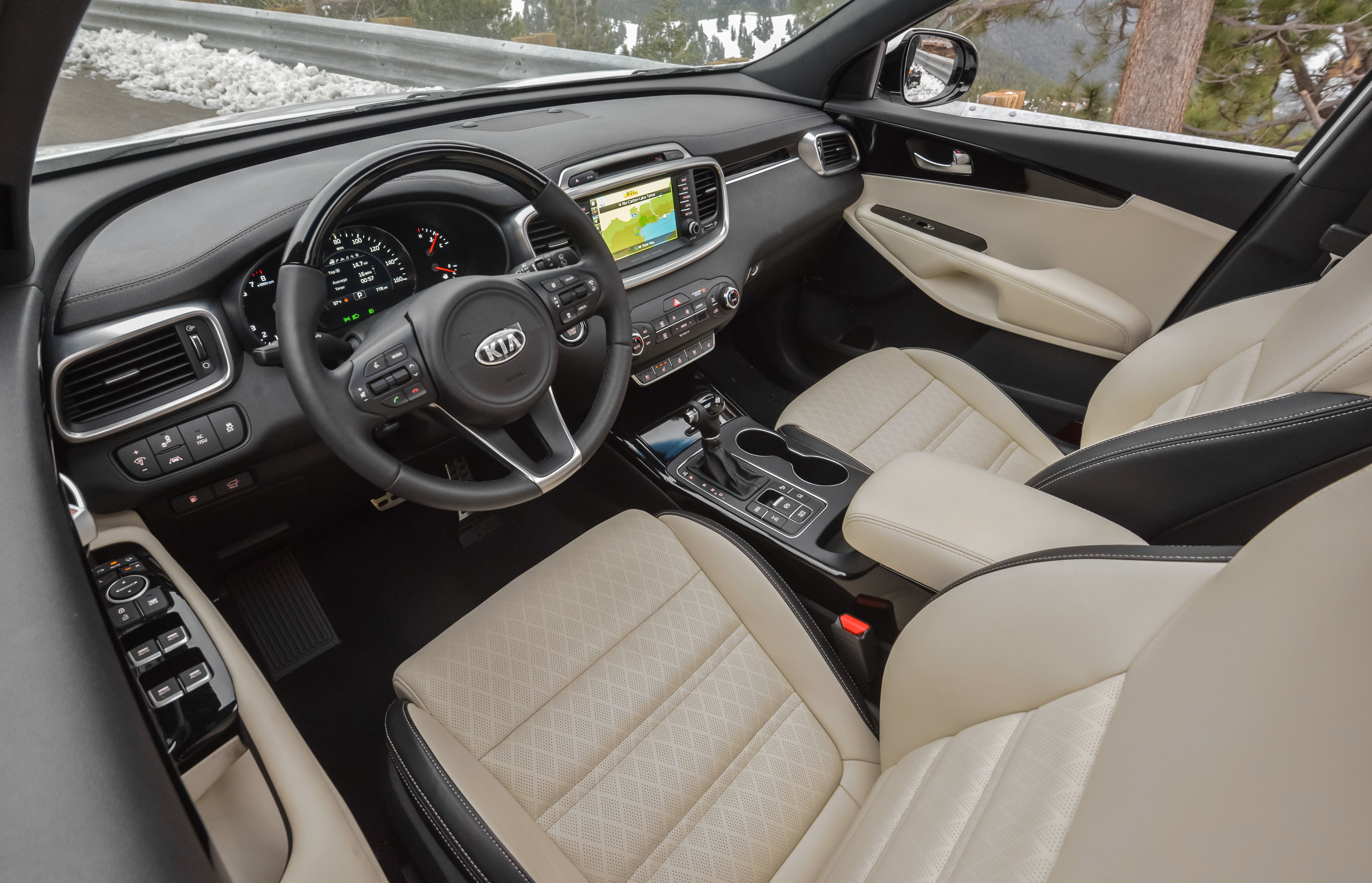 2017 Kia Sorento   Interior