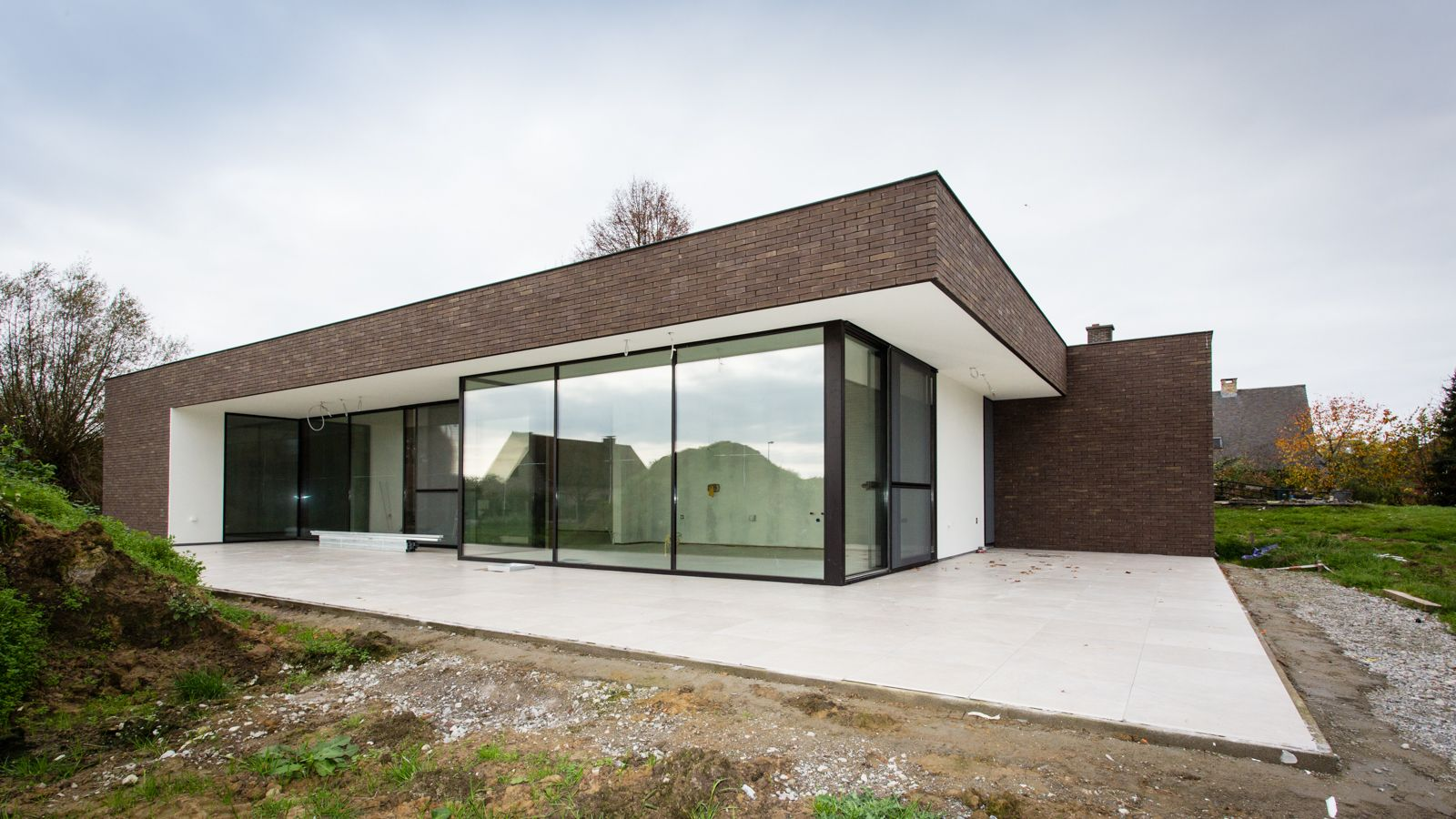 Vande moortel facing bricks septem 8025 shaping places for Moderne bungalow architectuur