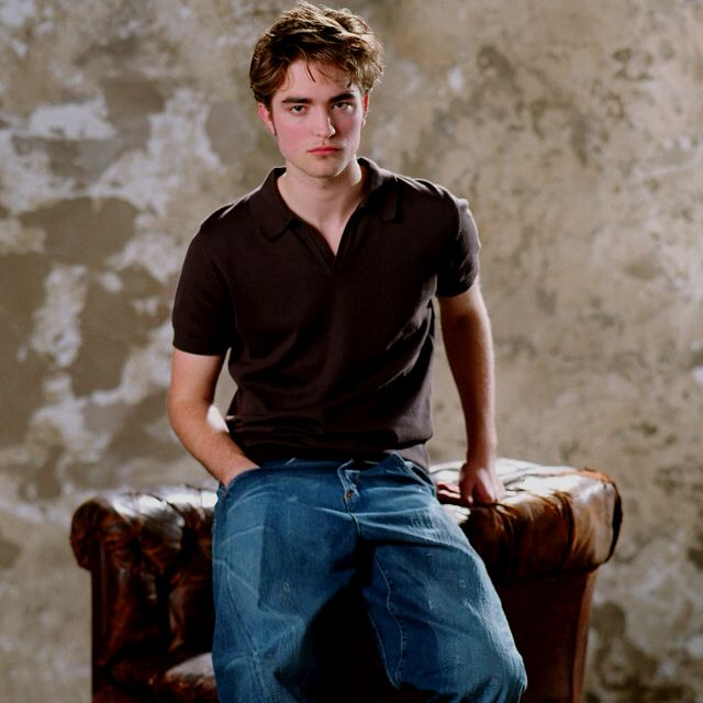 Edward Robert Pattinson And Kristen Robert Pattinson Robert Pattinson Twilight