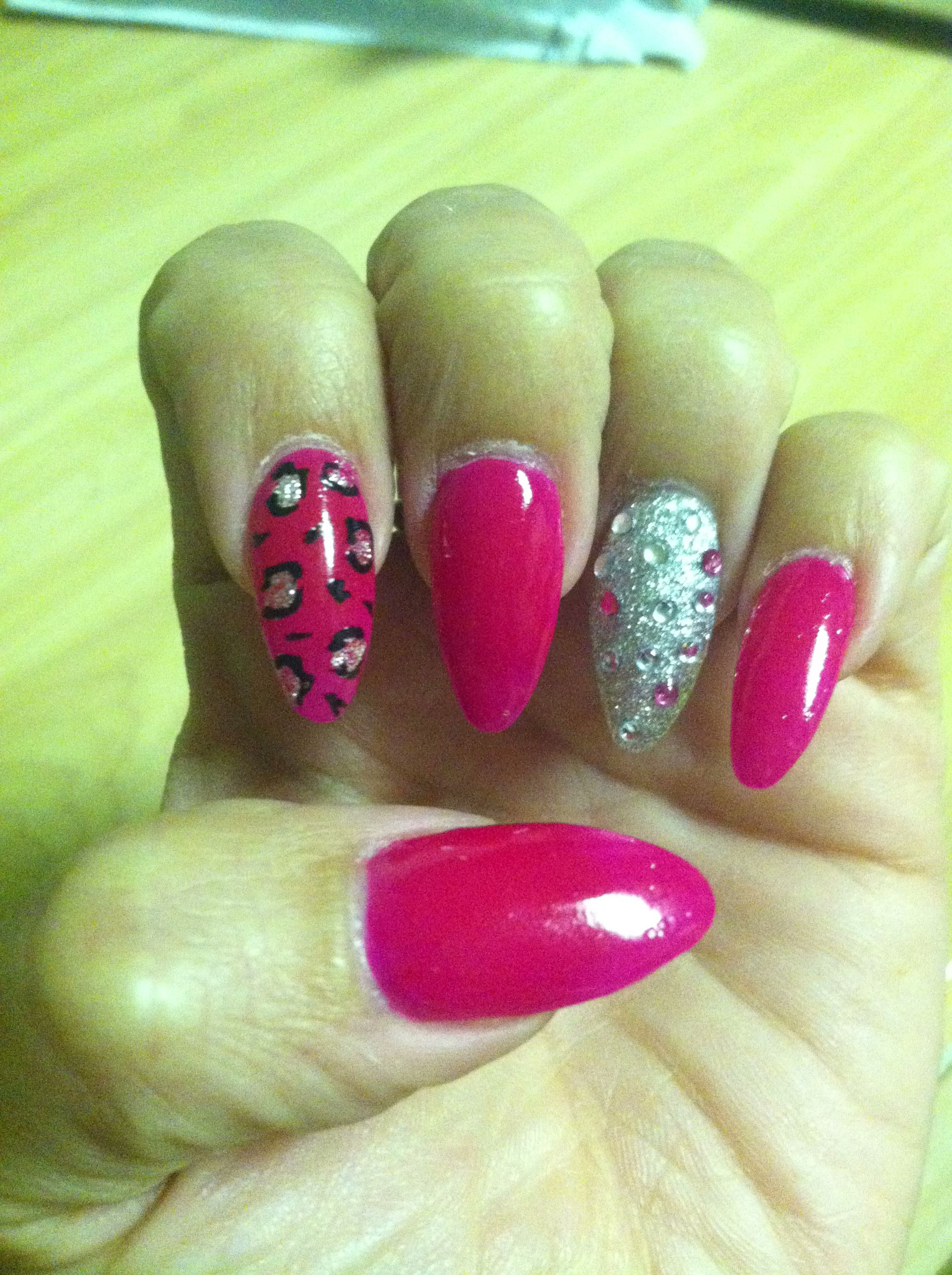 Stilettos Pink Nails Silver Nails Glitter Nails Bling Nails Leopard Nails Fun Colorful Trendy Davi Nails Jennie Ulrich Henrie Dierenprints Luipaard