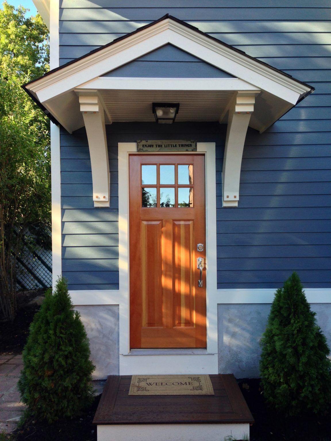 7 Beautiful Door Overhang Designs Ideas To Make Your Home Elegant Moetoe In 2020 Porch Design Front Porch Design Farmhouse Doors